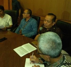 Ketua Kisel Suryo Hadiyanto (tengah) didampingi Deputi Pengawasan Koperasi, Kemenkop dan UKM Suparno (dua kiri) sebut bahwa Kisel masuk dalam 100 besar koperasi dunia (Foto:maritim/herbert)