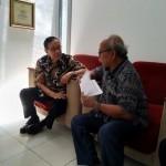 Binsar Effendi (kanan) berbincang dengan Direktur Akbar Tanjung tentang kondisi energi nasional, regional dan global di Akbar Tanjung Institute pada akhir September 2019 (Foto:maritim/mare)