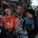 Wartawan Media Kelautan online www.maritimporosnusantara Henry Supardi (kanan) bincang tentang energi nasional terkait Blok Rokan, Blok Mahakam dan Blok Masela dengan Ketua Umum eSPeKaPe Binsar Effendi Hutabarat di Kantor Laskar Merah Putih Jakarta, baru-baru ini (Foto:maritim/roni)