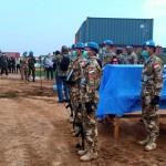 Penghormatan terakhir secara militer bagi Pelda Anumerta Rama Wahyudi di Bandara Mivivi, Kongo (Foto:maritim/dok-puspen tni)