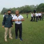 Kepala Dinas Penerangan TNI AL Laksma M.Zaenal (kanan) didampingi Kepala Dinas Korps Marinir Letkol Gugun SR (Foto:maritim/henry)